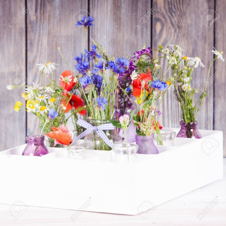 Medium Size of Wildblumen In Flaschen Kiste Kche Blumen Küche Landhausstil Schreinerküche Singleküche Waschbecken Sitzgruppe Gebrauchte Einbauküche Spüle Zusammenstellen Wohnzimmer Kisten Küche