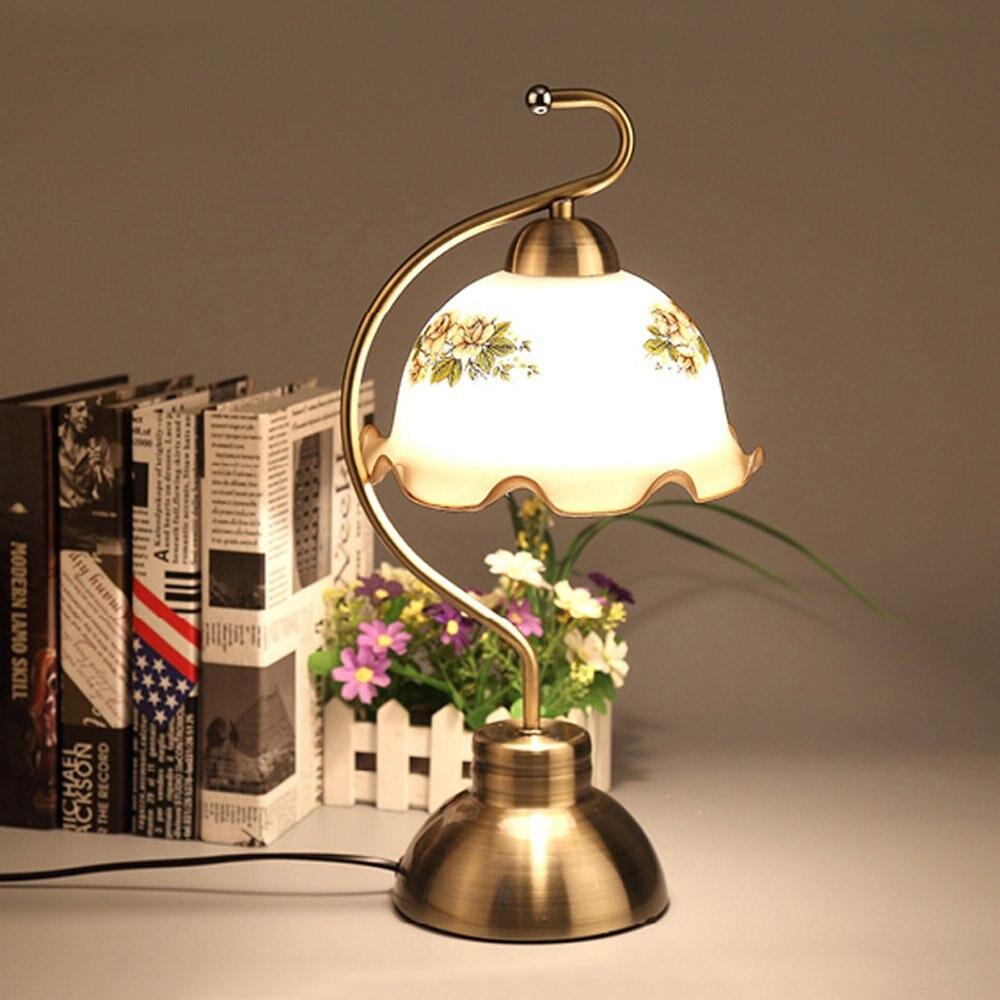Full Size of Tischlampe Wohnzimmer Holz Tischlampen Ikea Dimmbar Amazon Lampe Led Bronze Metall Arbeitszimmer Tischleuchten Europischen Vintage Großes Bild Stehlampe Wohnzimmer Wohnzimmer Tischlampe