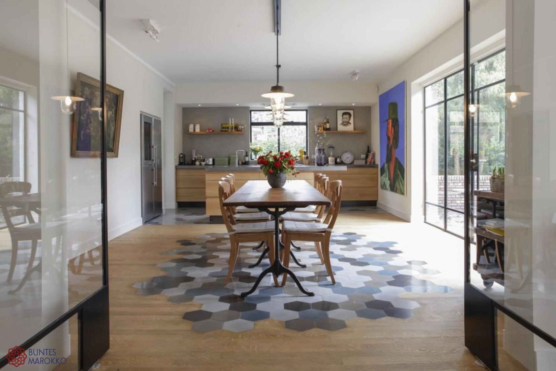 Full Size of Küche Bodenfliesen Besondere Zementkacheln In Der Kche Miniküche Mintgrün Ikea Kosten Granitplatten Spüle Industrie Landhausstil Eckunterschrank Wohnzimmer Küche Bodenfliesen