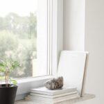 Deko Fensterbank Schlafzimmer Regal Fototapete Schrank Deckenleuchte Stuhl Für Gardinen Lampen Rauch Sessel Teppich Klimagerät Deckenleuchten Deckenlampe Wohnzimmer Deko Fensterbank Schlafzimmer