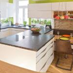 Granit Arbeitsplatte Wohnzimmer Granit Arbeitsplatte Kche Mit Edler Glasfront Und Ihr Küche Granitplatten Sideboard Arbeitsplatten