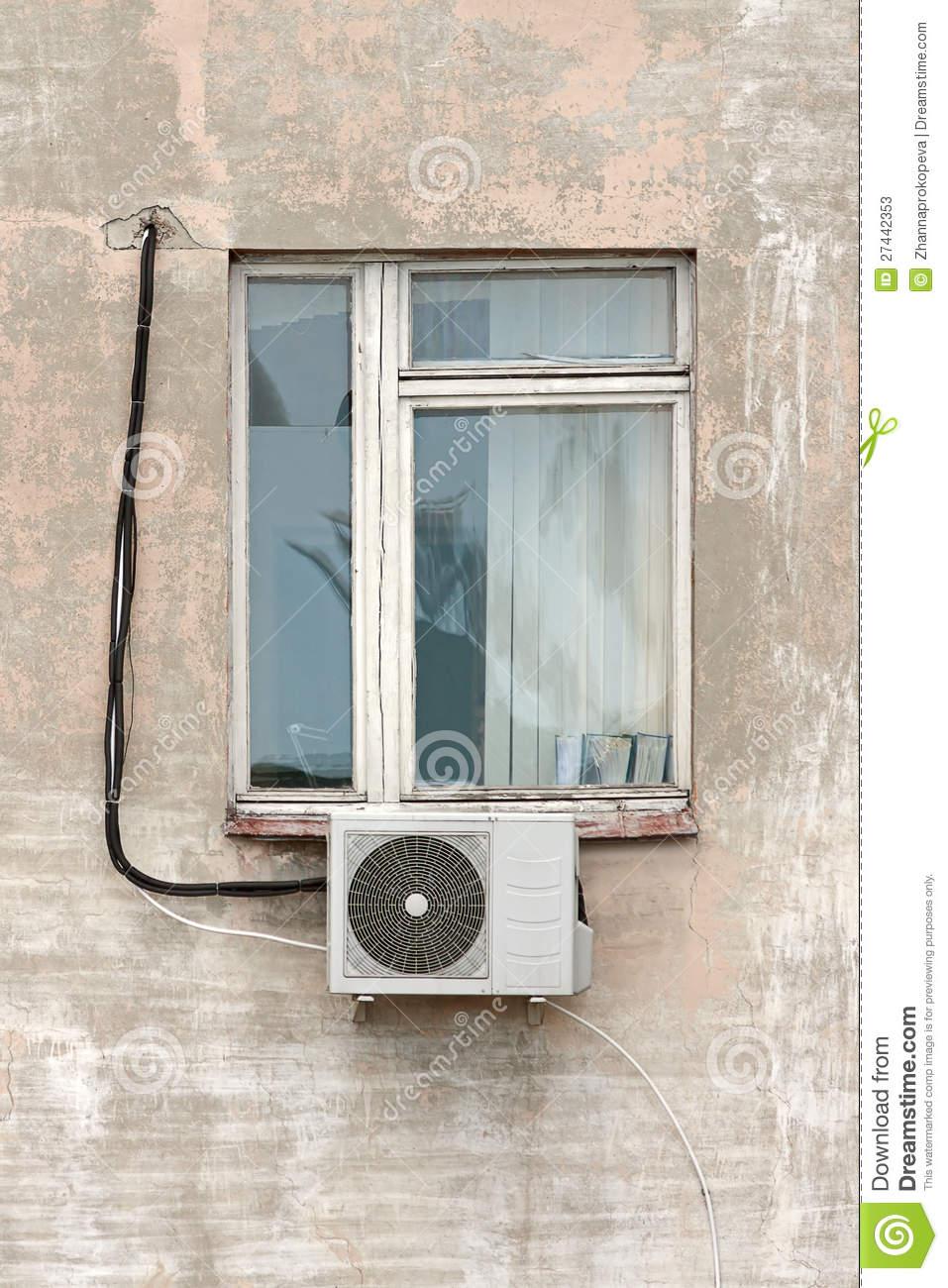 Full Size of Fenster Klimaanlage Mit Stockbild Bild Von Konditionierung 27442353 Lüftung Roro Rollos Innen Abus Einbruchschutzfolie Putzen Weihnachtsbeleuchtung Wohnzimmer Fenster Klimaanlage