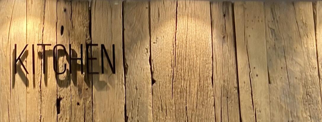 Large Size of Weinregal Holz Wand Blog Das Design Aus Edlem Fr Ihre Holzhäuser Garten Massivholz Regal Wanduhr Küche Bett Rückwand Holzfliesen Bad Schlafzimmer Komplett Wohnzimmer Weinregal Holz Wand
