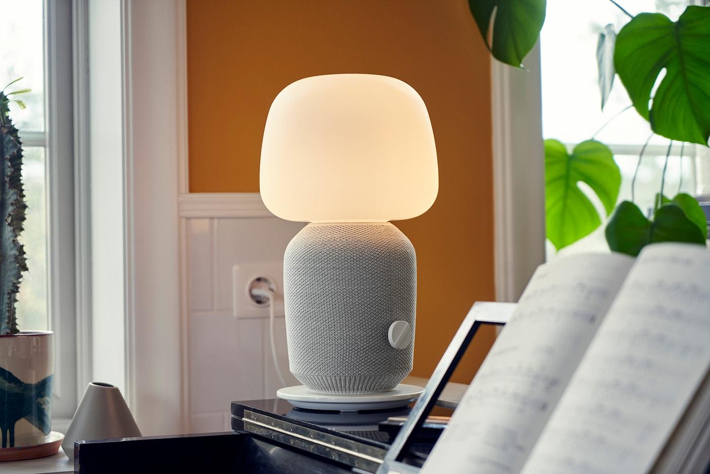 Full Size of Lampen Wohnzimmer Decke Ikea Ein Symfonisk Duett Von Und Sonos Sterreich Stehlampen Heizkörper Deckenleuchten Küche Badezimmer Decken Deckenleuchte Lampe Wohnzimmer Lampen Wohnzimmer Decke Ikea