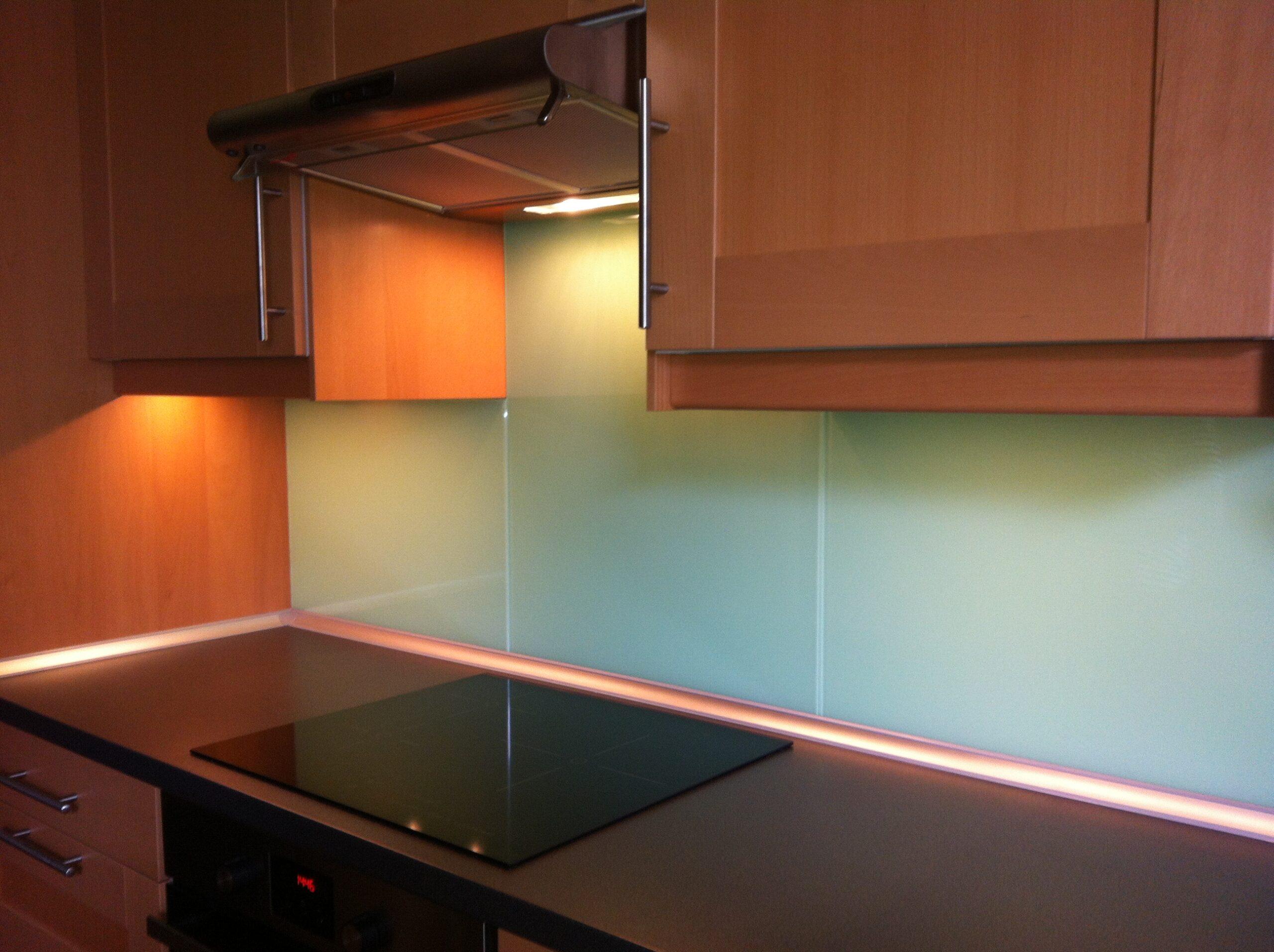 Full Size of Fliesenspiegel Verkleiden Kchenwnde Wandverkleidung Aus Glas Küche Selber Machen Wohnzimmer Fliesenspiegel Verkleiden