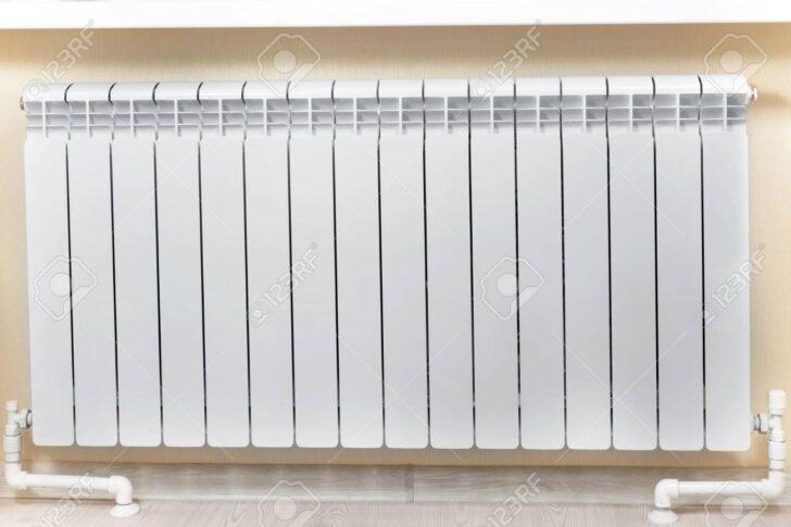 Medium Size of Heizkörper Für Wohnzimmer Heizung Wei Heizkrper Im Lizenzfreie Klimagerät Schlafzimmer Tisch Hängelampe Tapeten Fürs Folien Fenster Fliesen Küche Vitrine Wohnzimmer Heizkörper Für Wohnzimmer