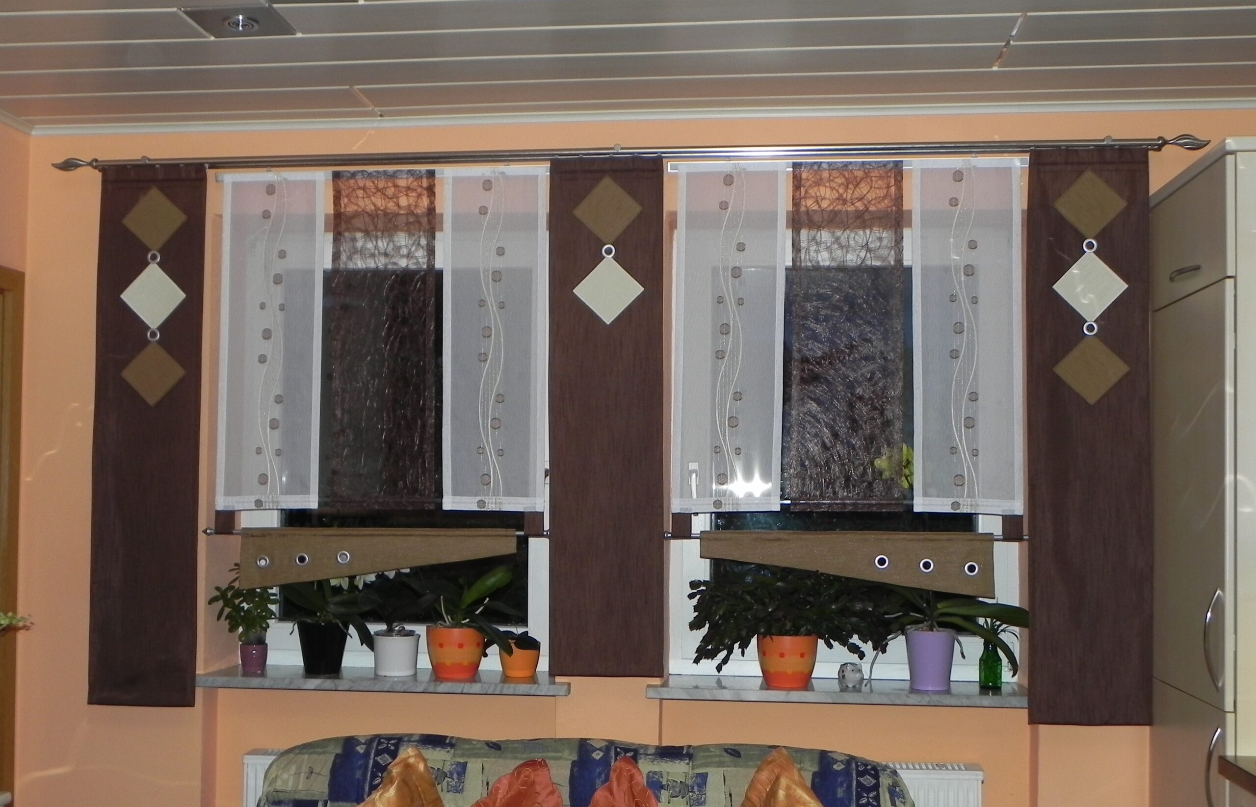 Full Size of Margas Gardinenstudio Gardinenstoffe Und Gardinen Nach Wunschma Tapete Küche Modern Für Schlafzimmer Modernes Sofa Esstisch Moderne Bilder Fürs Wohnzimmer Wohnzimmer Modern Gardinen