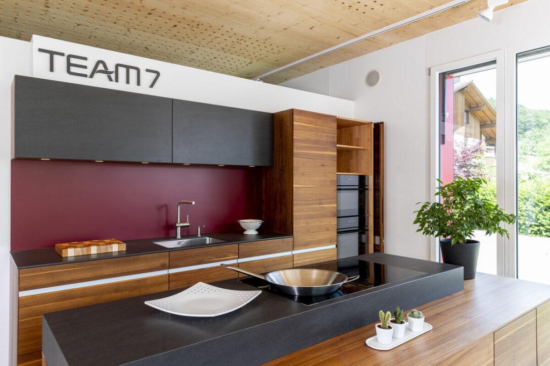 Large Size of Team 7 Ausstellungskche Linee Nussbaum Baumgartner Schreinerei Betten Wohnzimmer Ausstellungsküchen Team 7