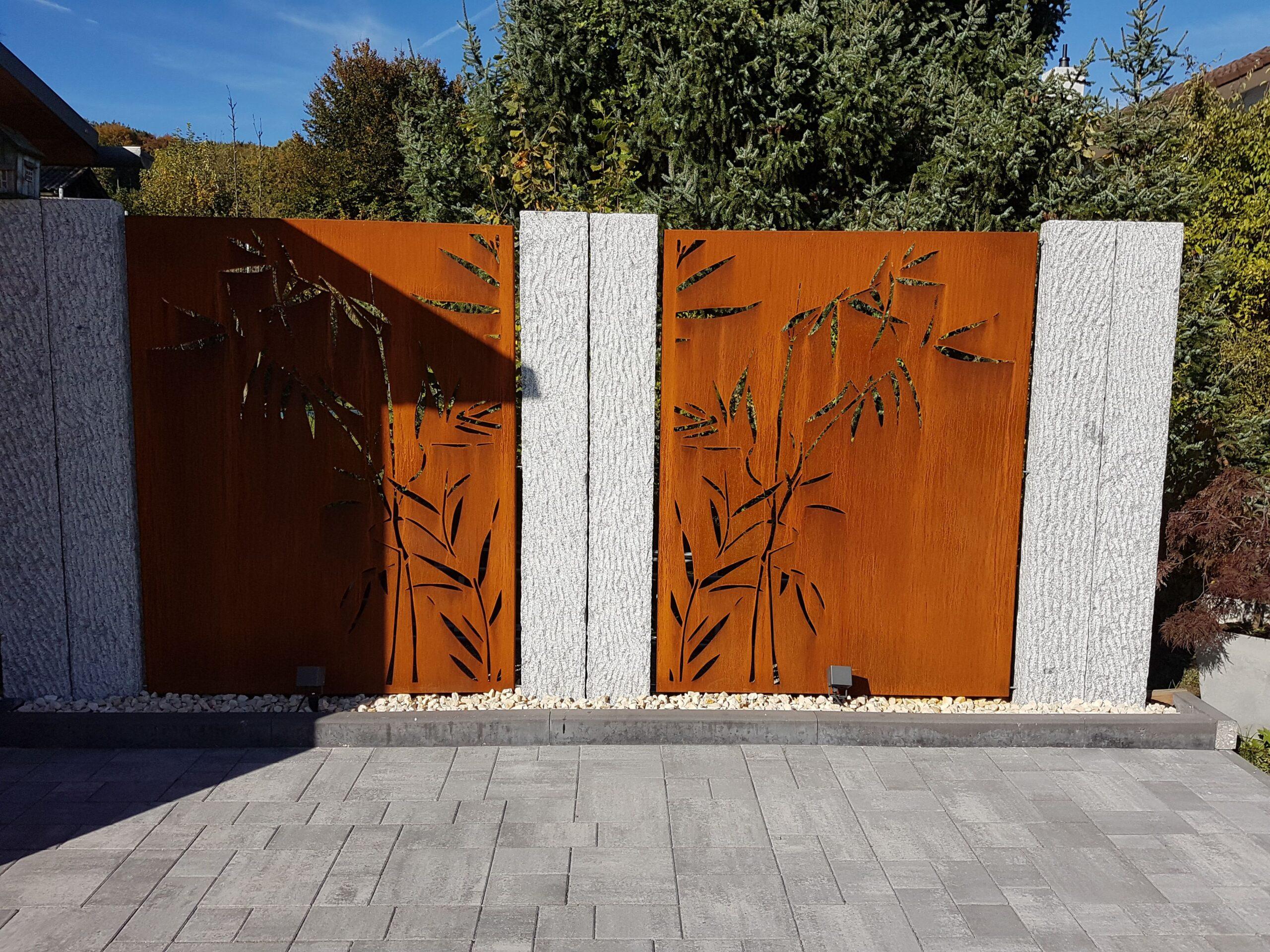 Full Size of Abtrennwand Garten Trennwand Holz Sichtschutz Bild Von Simona Ca In 2020 Spielhaus Jacuzzi Und Landschaftsbau Berlin Versicherung Whirlpool Klapptisch Wohnzimmer Abtrennwand Garten