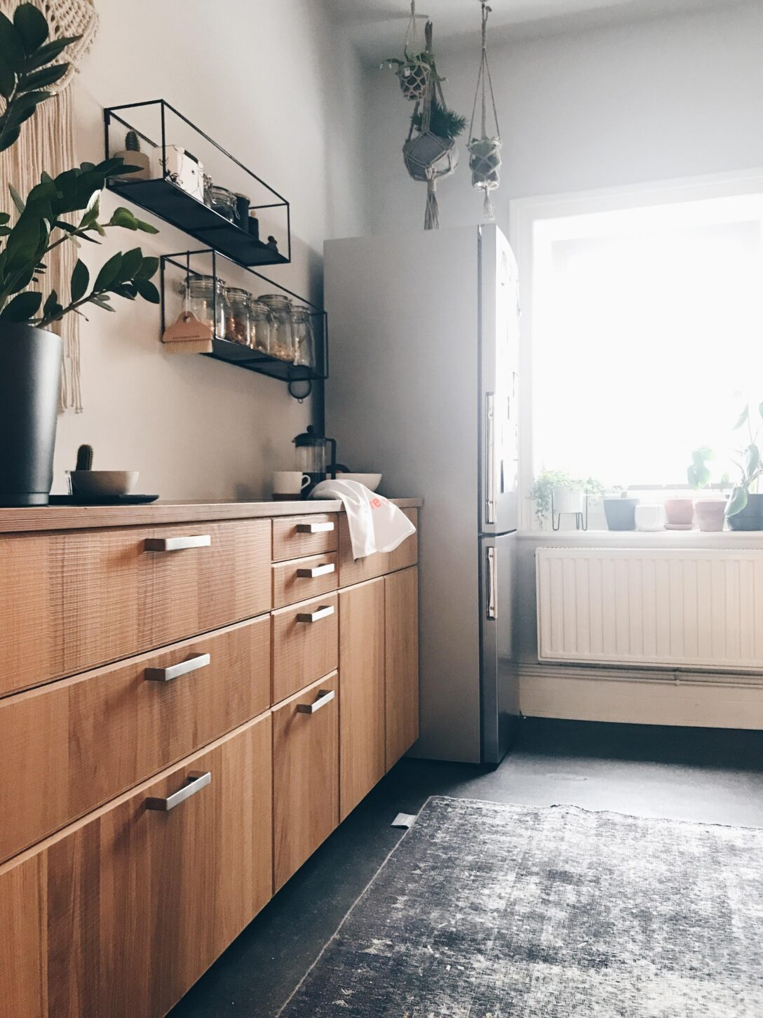 Large Size of Küche Teppich In Der Kche Unbedingt Kitchen Ikeakch Pino Fliesenspiegel Selber Machen Für Salamander Polsterbank Outdoor Edelstahl Ikea Kosten Hängeschrank Wohnzimmer Küche Teppich