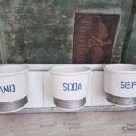 Fliesenspiegel Landhausküche Sand Soda Seife Aus Keramik Im Metallgestell An Grau Küche Weisse Selber Machen Weiß Gebraucht Glas Moderne Wohnzimmer Fliesenspiegel Landhausküche