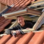 Dachfenster Einbauen Anleitung Velux Kosten Innenfutter Einbau Firma Youtube Sparren Entfernen Roto Innenverkleidung Wechsel Preis Video Deutsch Dach Bttcher Wohnzimmer Dachfenster Einbauen