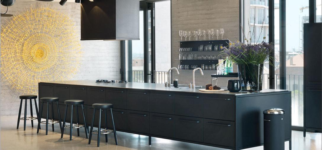 Large Size of Vipp Küche Kchenstudio Und Showroom Clic Wandverkleidung Nolte Granitplatten Arbeitsplatten Blende Abluftventilator Edelstahlküche Gebraucht Single Wohnzimmer Vipp Küche