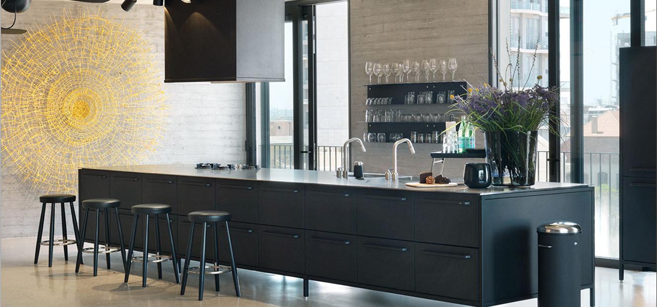 Full Size of Vipp Küche Kchenstudio Und Showroom Clic Wandverkleidung Nolte Granitplatten Arbeitsplatten Blende Abluftventilator Edelstahlküche Gebraucht Single Wohnzimmer Vipp Küche