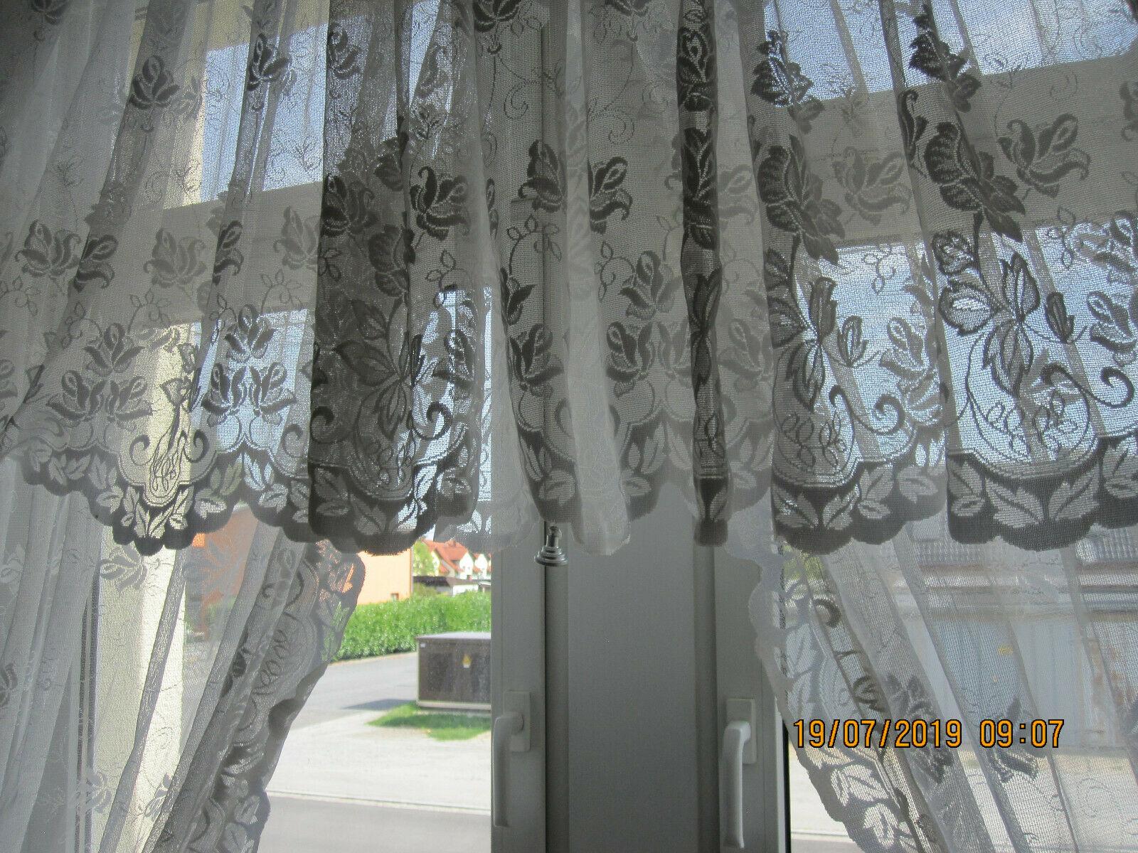 Full Size of Gardinen Doppelfenster Groe 3 Teilige Gardine Fr Ein Ca 2 Für Wohnzimmer Küche Fenster Scheibengardinen Schlafzimmer Die Wohnzimmer Gardinen Doppelfenster