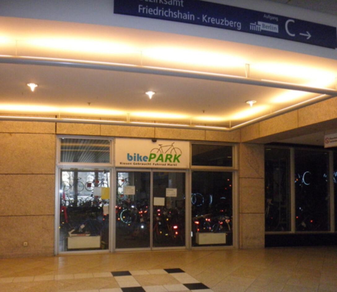 Large Size of Bikepark Gebraucht Fahrrder In Berlin Friedrichshain Gebrauchte Küche Kaufen Betten Regale Frankfurt Verkaufen Einbauküche Küchen Regal Fenster Wohnzimmer Gebrauchte Küchen Frankfurt