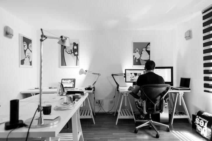 Medium Size of Hhenverstellbarer Schreibtisch Der Groe Ratgeber 2018 Ikea Miniküche Küche Kaufen Stehhilfe Betten Bei Büroküche Modulküche Sofa Mit Schlaffunktion Wohnzimmer Stehhilfe Büro Ikea