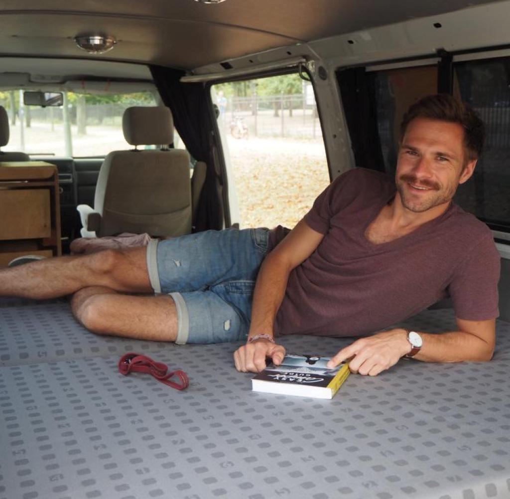 Full Size of Ausziehbett Camper Sharing Plattform Paul Das Airbnb Fr Reisemobile Welt Bett Mit Wohnzimmer Ausziehbett Camper