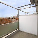 Trennwand Balkon Sondereigentum Ikea Ohne Bohren Obi Sichtschutz Plexiglas Metall Holz Glas Fr Den Sicher Und Gut Geschtzt Jetzt Auf Garten Glastrennwand Wohnzimmer Trennwand Balkon