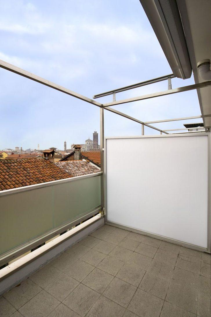 Medium Size of Trennwand Balkon Sondereigentum Ikea Ohne Bohren Obi Sichtschutz Plexiglas Metall Holz Glas Fr Den Sicher Und Gut Geschtzt Jetzt Auf Garten Glastrennwand Wohnzimmer Trennwand Balkon