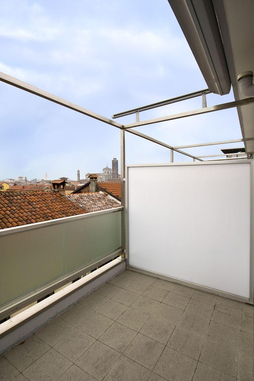 Full Size of Trennwand Balkon Sondereigentum Ikea Ohne Bohren Obi Sichtschutz Plexiglas Metall Holz Glas Fr Den Sicher Und Gut Geschtzt Jetzt Auf Garten Glastrennwand Wohnzimmer Trennwand Balkon