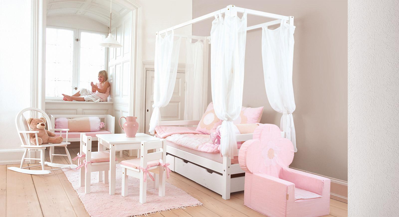 Full Size of Mädchenbetten Himmelbett Wei Aus Massiver Kiefer Fr Mdchen Kids Heaven Wohnzimmer Mädchenbetten
