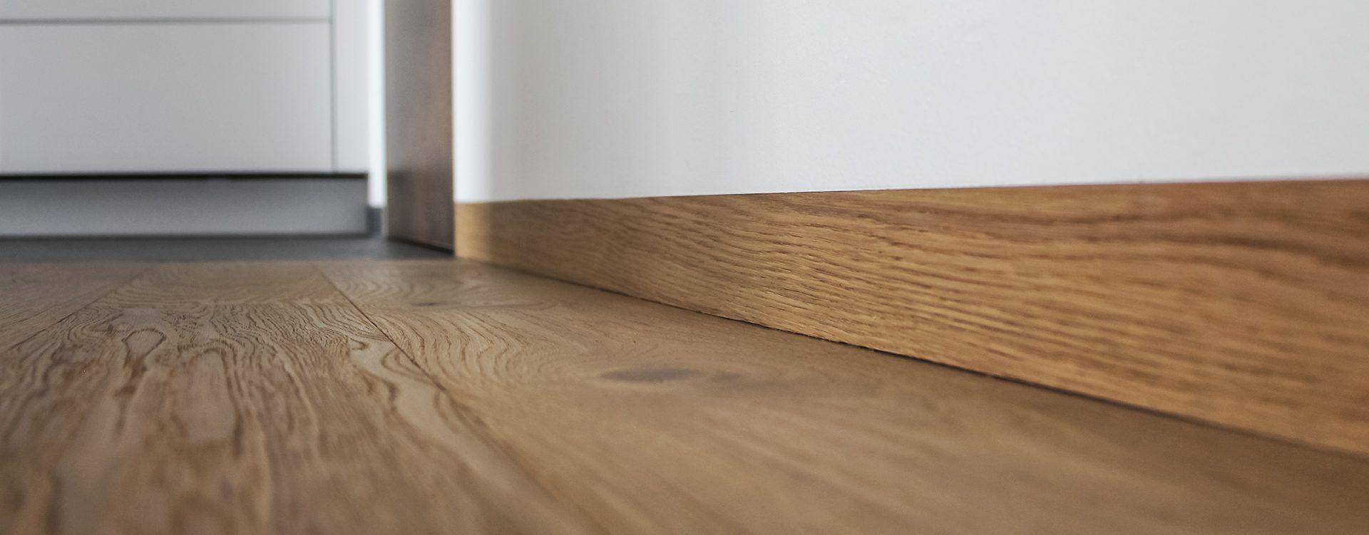 Full Size of Uni 50 15 Linea Universal Profil 2 Küche Billig Kaufen Deckenleuchte L Mit Kochinsel Ikea Miniküche Lüftung Teppich Sitzgruppe Laminat Für Was Kostet Eine Wohnzimmer Küche Sockelleiste