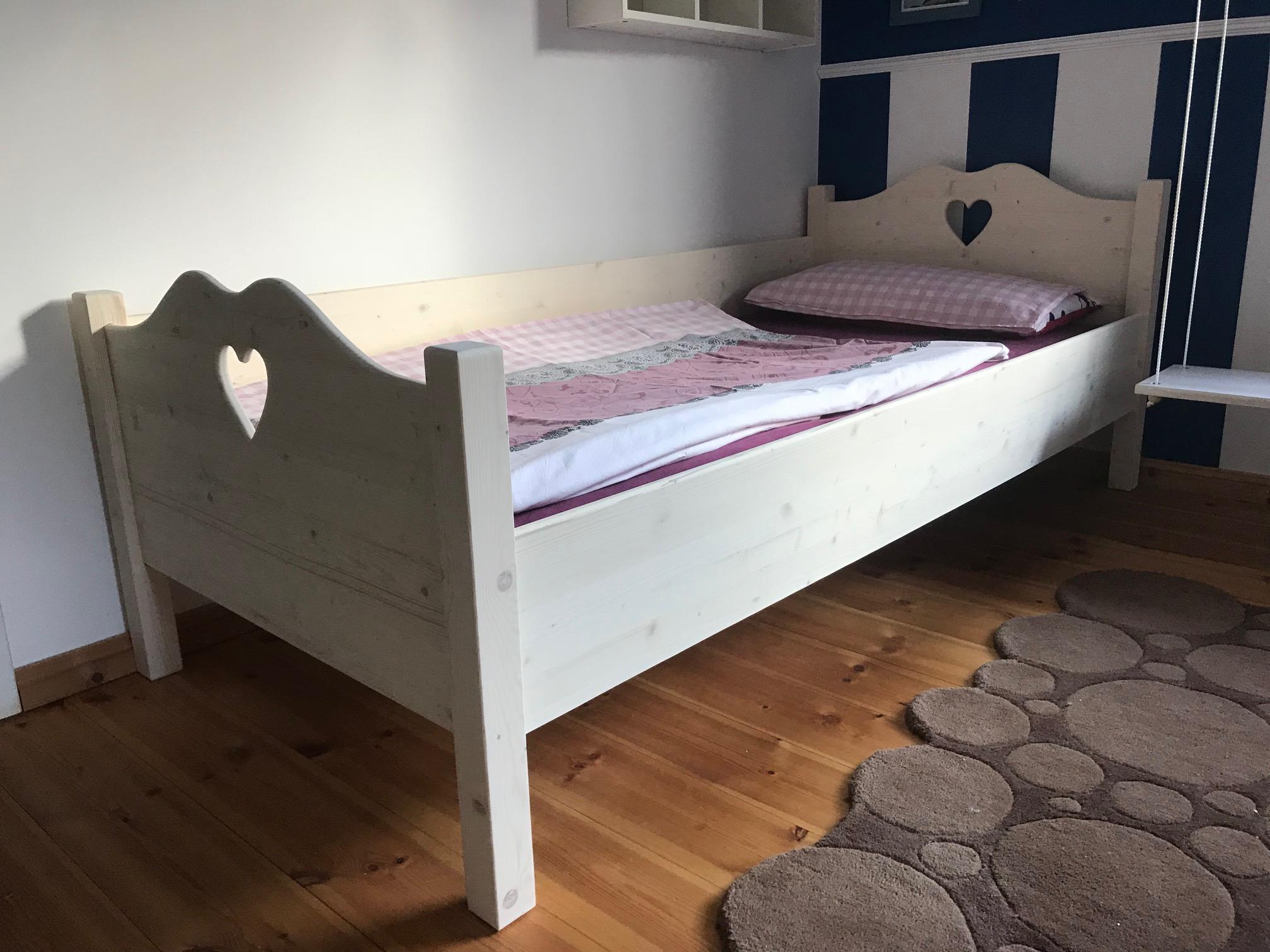 Full Size of Kinderbett Mädchen 90x200 Mdchen Bett Mit Lattenrost Und Matratze Bettkasten Kiefer Weiß Schubladen Betten Weißes Wohnzimmer Kinderbett Mädchen 90x200
