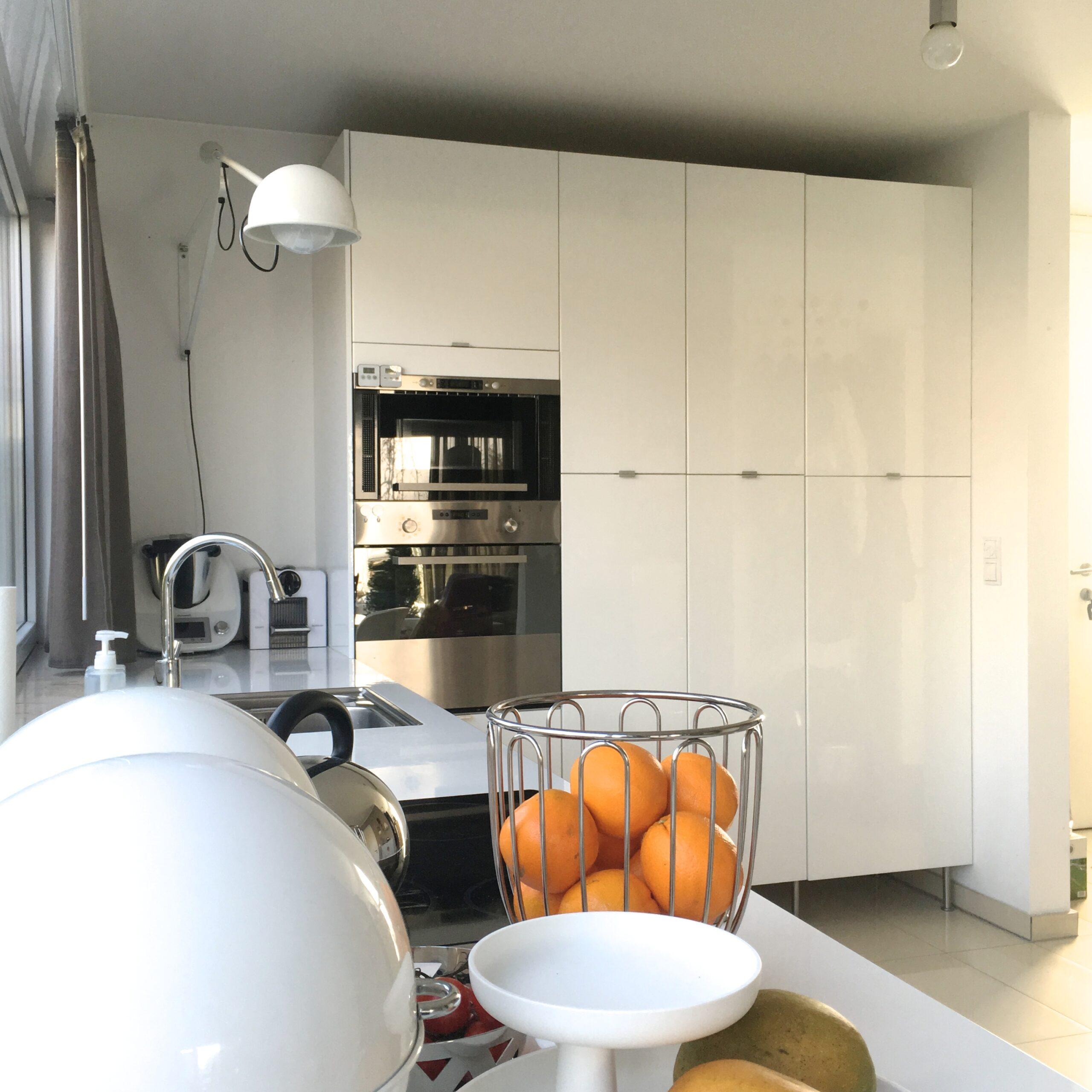 Full Size of Küche Eckschrank Rondell Ikea Kche Low Budget Geht Auch Edel All About Design Miele Outdoor Kaufen Sideboard Mit Arbeitsplatte Hängeschrank Höhe Lieferzeit Wohnzimmer Küche Eckschrank Rondell
