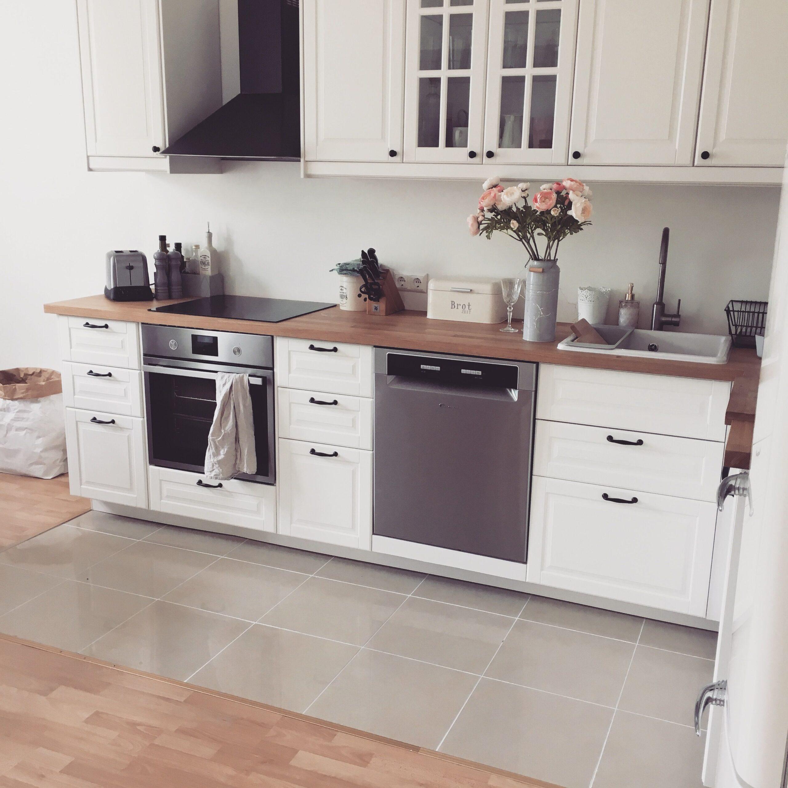 Full Size of Küche Holz Modern Mit Theke Tapete Ikea Miniküche Musterküche Landhaus Schlafzimmer Günstige E Geräten Weiß Bett 180x200 Led Panel Wohnzimmer Ikea Küche Landhaus Weiß