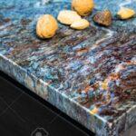 Bild Bunten Kche Innen Granit Arbeitsplatte Lizenzfreie Fotos Küche Mit Arbeitsplatten Granitplatten Wohnzimmer Granit Arbeitsplatte
