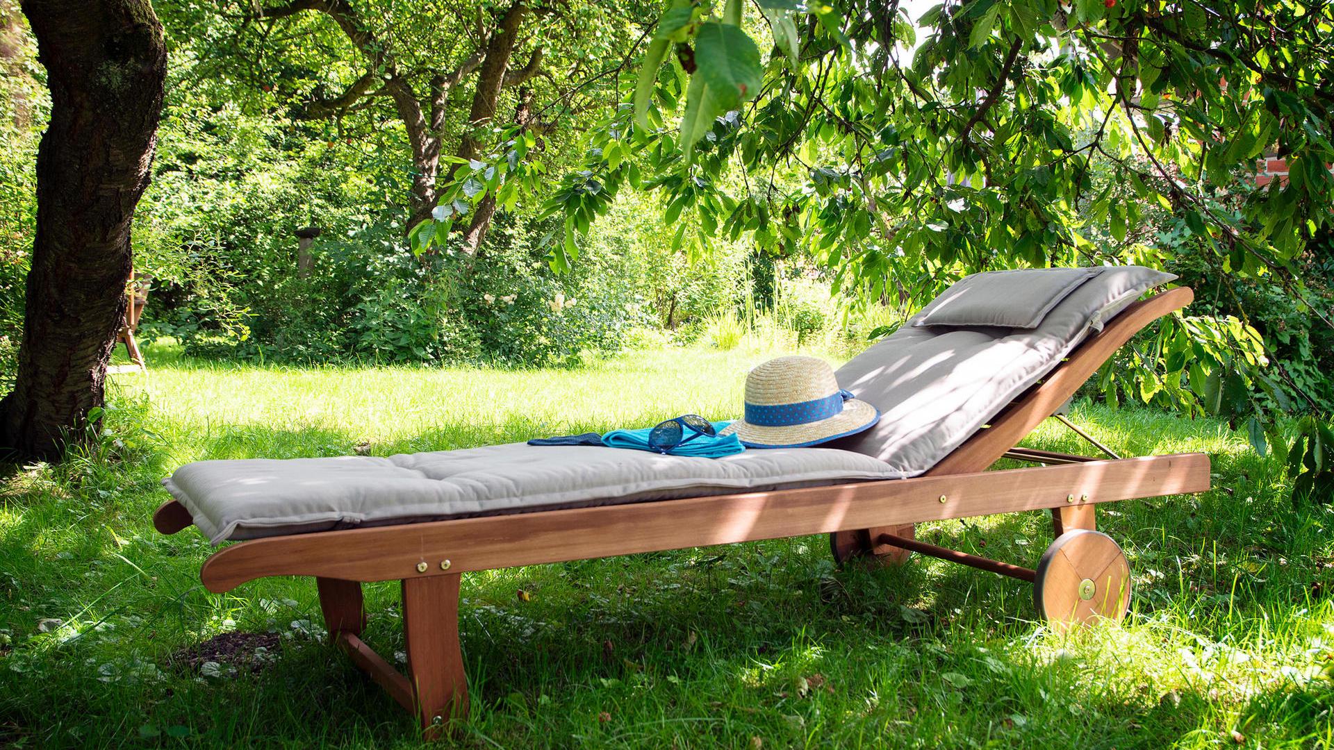 Full Size of Sonnenliege Klappbar Lidl Gartenliege Kaufen Besten Gartenliegen Fr Diese Saison Ausklappbares Bett Ausklappbar Wohnzimmer Sonnenliege Klappbar Lidl