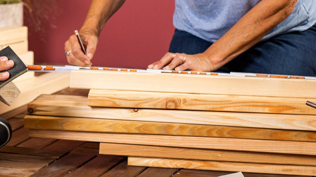 Large Size of Sitzbank Holz Garten Sitz Oder Gartenbank Selber Bauen Ideen Und Tipps Obi Spielhaus Kunststoff Spielgerät Kräutergarten Küche Holzregal Spielgeräte Wohnzimmer Sitzbank Holz Garten