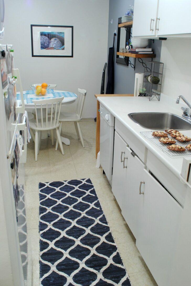 Medium Size of Kche Küche Mit Tresen Wohnzimmer Teppiche Hängeregal Bartisch Einbauküche Gebraucht Gardinen Für Die Günstig Einhebelmischer Wandpaneel Glas L E Geräten Wohnzimmer Küche Teppich