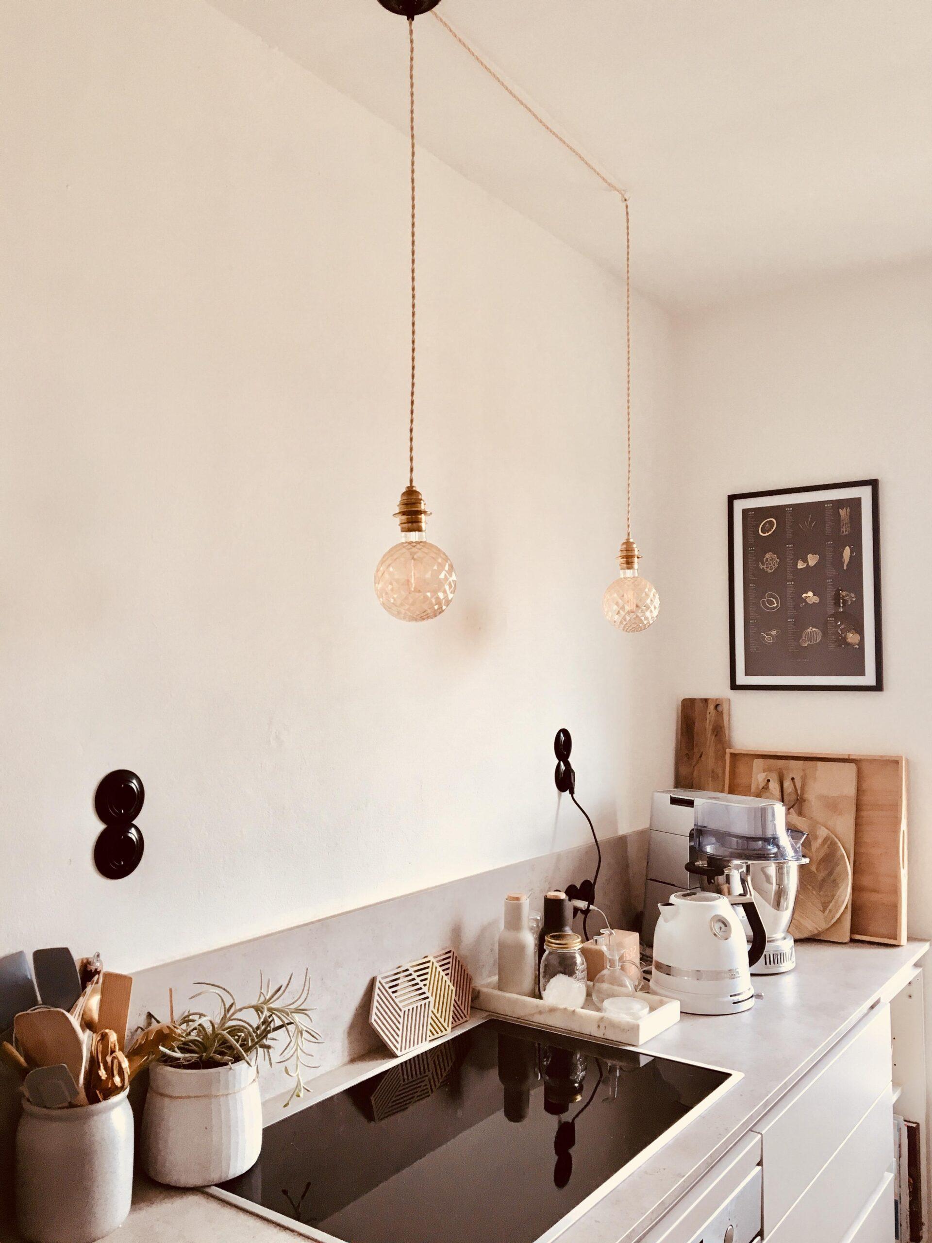 Full Size of Kleiner Tisch Küche Einbauküche Ohne Kühlschrank Sitzbank Unterschränke Mit Geräten Doppelblock Hochglanz Eckbank Kaufen Günstig Holzofen Wohnzimmer Küche Ideen Modern