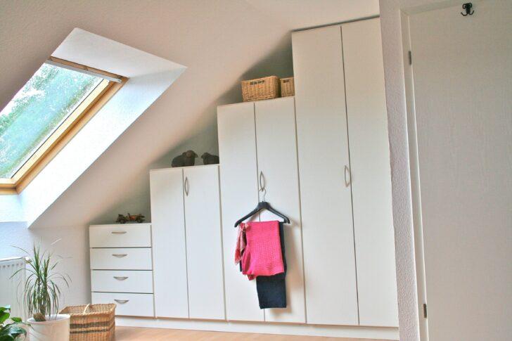 Medium Size of Dachschräge Schrank Ikea Kleiderschrnke Fr Dachschrgen Besten 25 Wohnzimmer Fenster Hochschrank Küche Spiegelschrank Bad Eckunterschrank Unterschrank Kosten Wohnzimmer Dachschräge Schrank Ikea