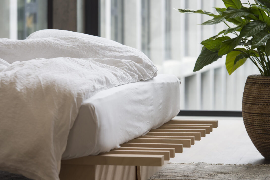 Large Size of Tojo V Bett Sushi Vancouver Bc Bed Preisvergleich Restaurant Review Yamamoto Video Erfahrung Bett  Matratzen Test Microspot Idealo 36 E0 Fhrung Velux Fenster Wohnzimmer Tojo V