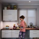 Möbelum Küche Warum Sollten Sie Einen Led Streifen In Ihrer Kche Installieren Spritzschutz Plexiglas Hängeschrank Höhe Türkis Raffrollo Tresen Stengel Wohnzimmer Möbelum Küche