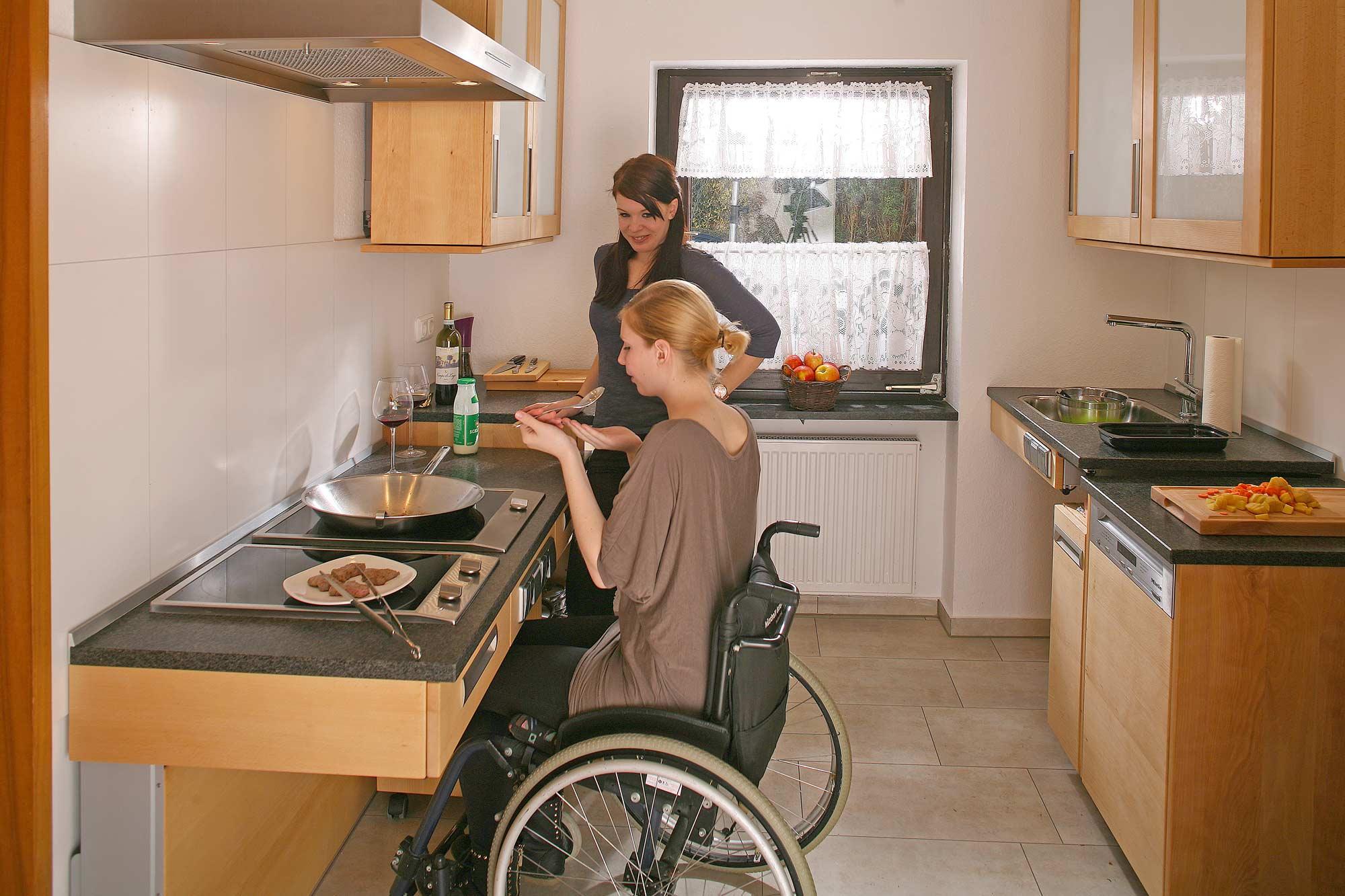 Full Size of Barrierefreie Küche Ikea Behindertengerechte Kche Mobilittskche Barrierefrei Fr Ein Holzofen Ohne Geräte Eckschrank Werkbank Niederdruck Armatur Was Kostet Wohnzimmer Barrierefreie Küche Ikea