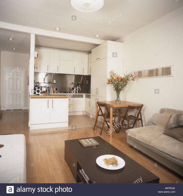 Medium Size of Moderne Offene Wohnzimmer Gepolstertes Sofa Tisch Kche Esstisch Oval Rustikal Akazie Holz Massiv Runder Ausziehbar Miniküche 80x80 Esstische Rund Wohnzimmer Mini Esstisch