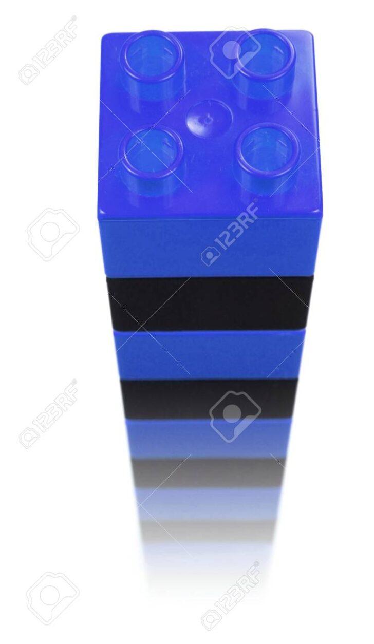 Medium Size of Bausteine Fr Turm Auf Weiem Hintergrund Lizenzfreie Whirlpool Garten Aufblasbar Sonnenschutz Bewässerung Kugelleuchte Lounge Möbel Schaukel Gewächshaus Wohnzimmer Kinderturm Garten