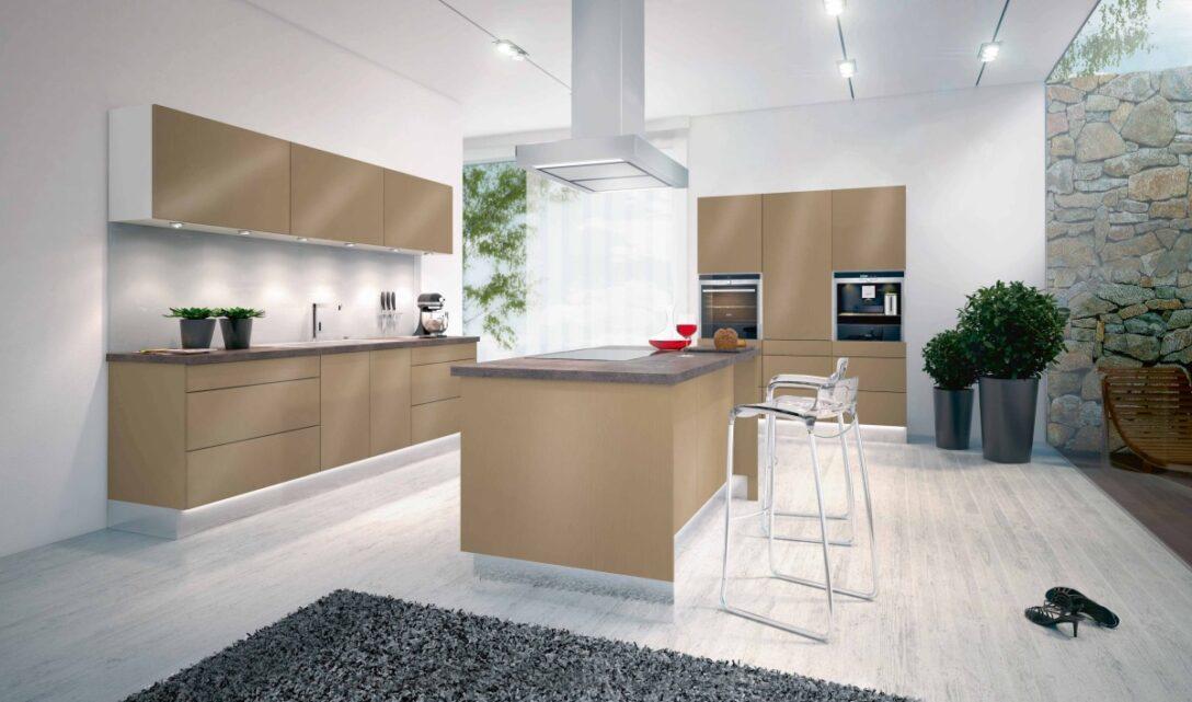 Large Size of Offene Kche Mit Kochinsel Modell 2022 Freistehende Küche Wohnzimmer Kücheninsel Freistehend