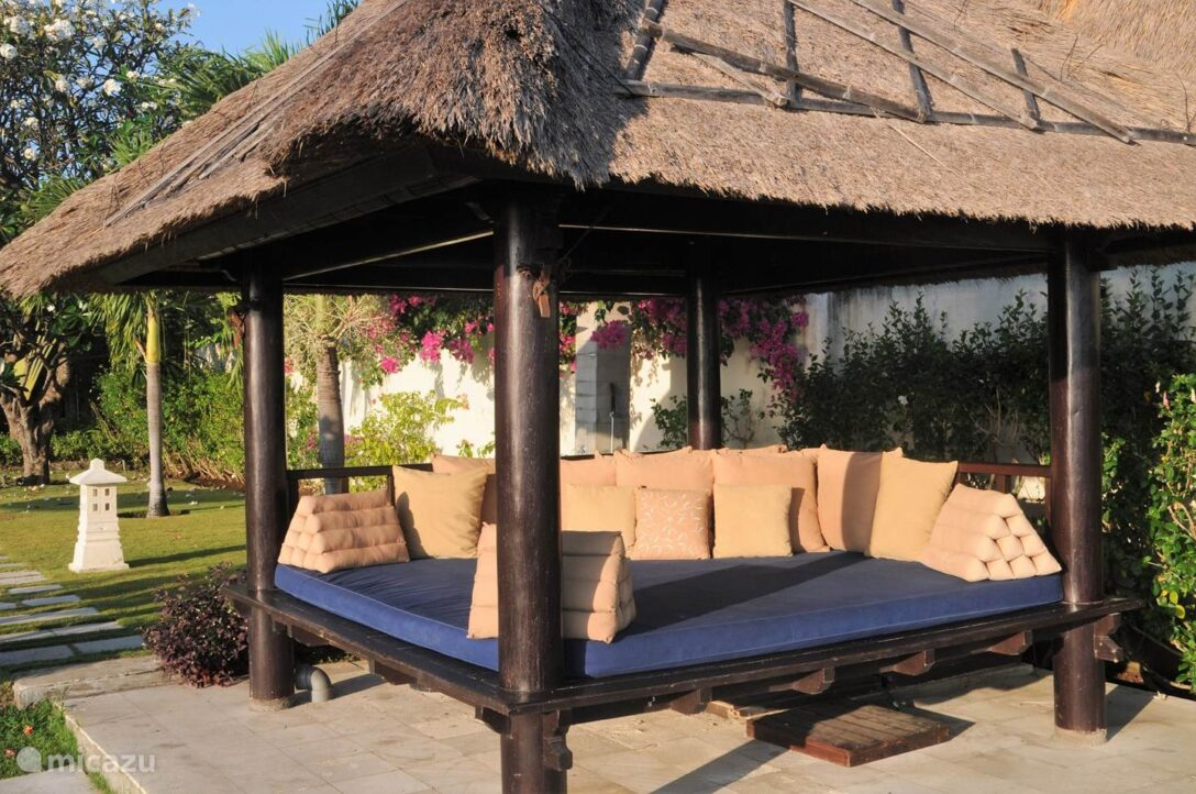 Large Size of Bali Bett Outdoor Kaufen Villa Insulinde Dencarik Nord In Lovina Betten Holz 90x190 Gebrauchte Mannheim Mit Rückenlehne 160 Tatami Schlicht Luxus Kopfteil Wohnzimmer Bali Bett Outdoor