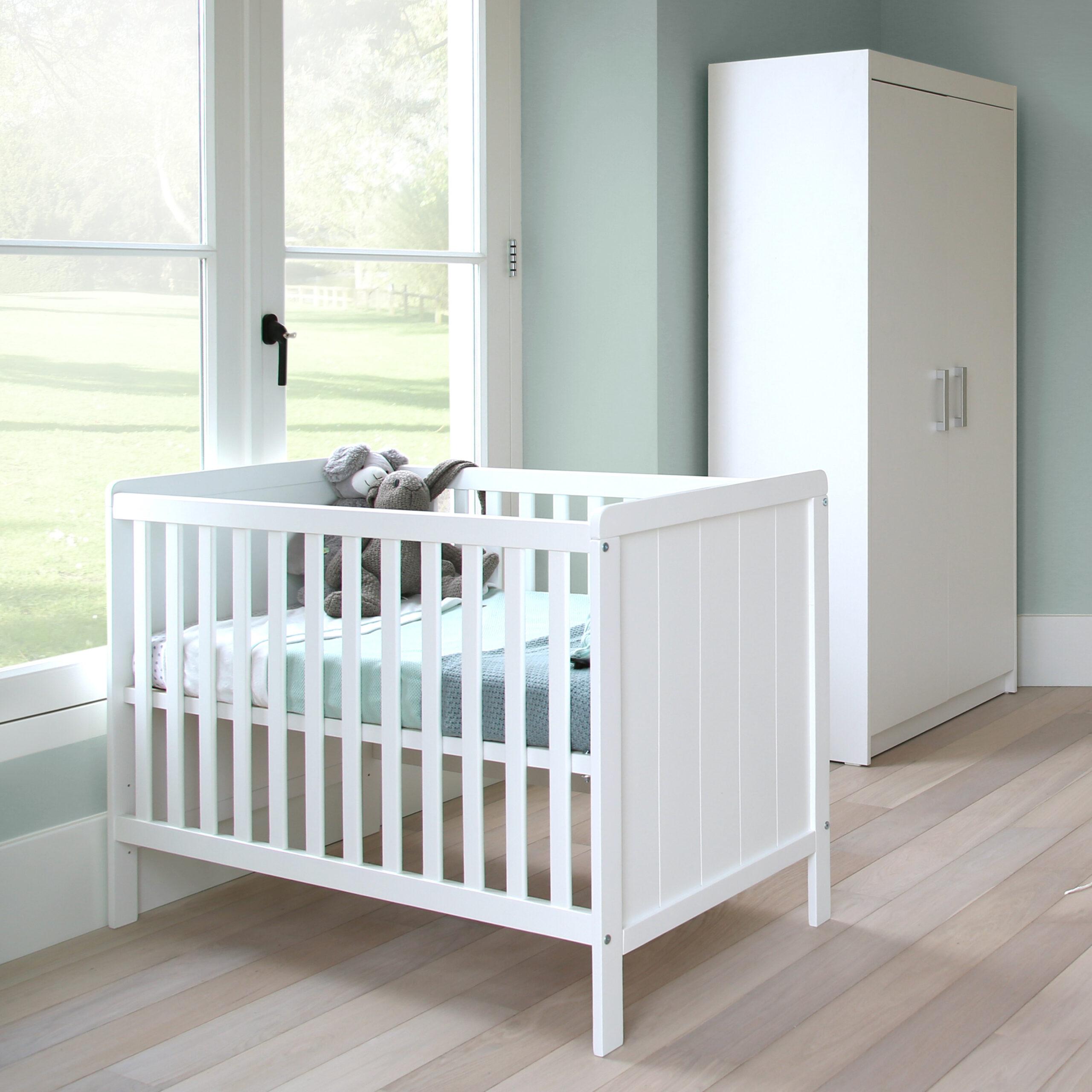 Full Size of Basicline Babybett Ralph In Wei 60 120 Cm Schwarze Küche Schwarzes Bett 180x200 Schwarz Weiß Wohnzimmer Babybett Schwarz