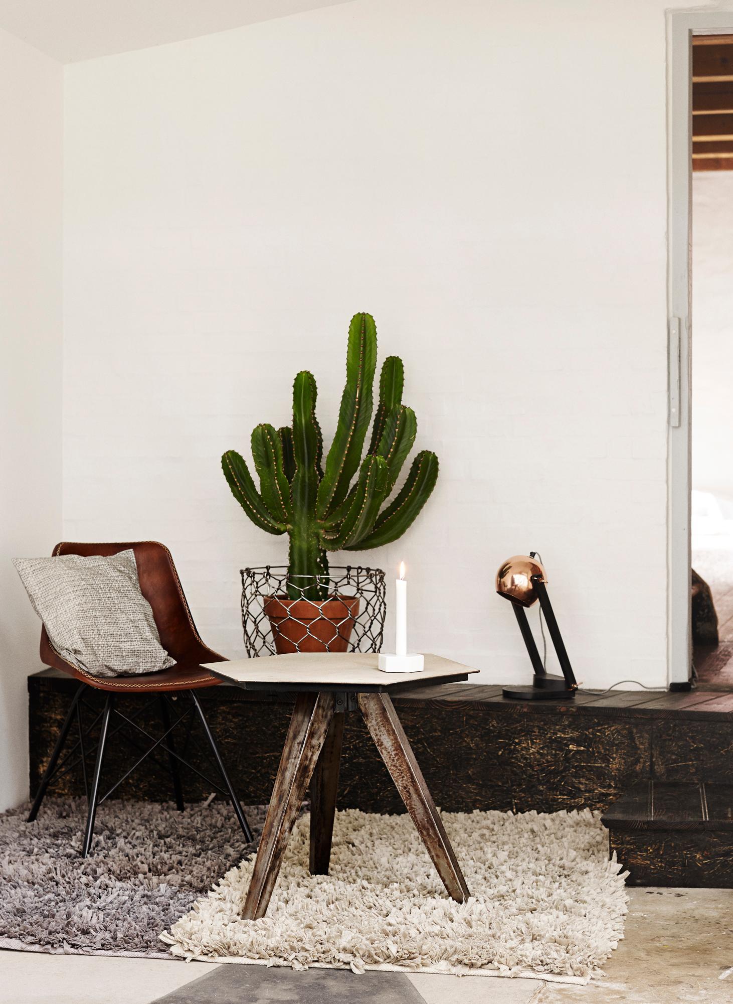 Full Size of Wohnzimmer Tischlampe Amazon Dimmbar Lampe Holz Ikea Led Ebay Modern Designer Tischlampen Steinboden Mit Teppichen Aufwerten Stuhl Beistellt Schrank Wohnzimmer Wohnzimmer Tischlampe