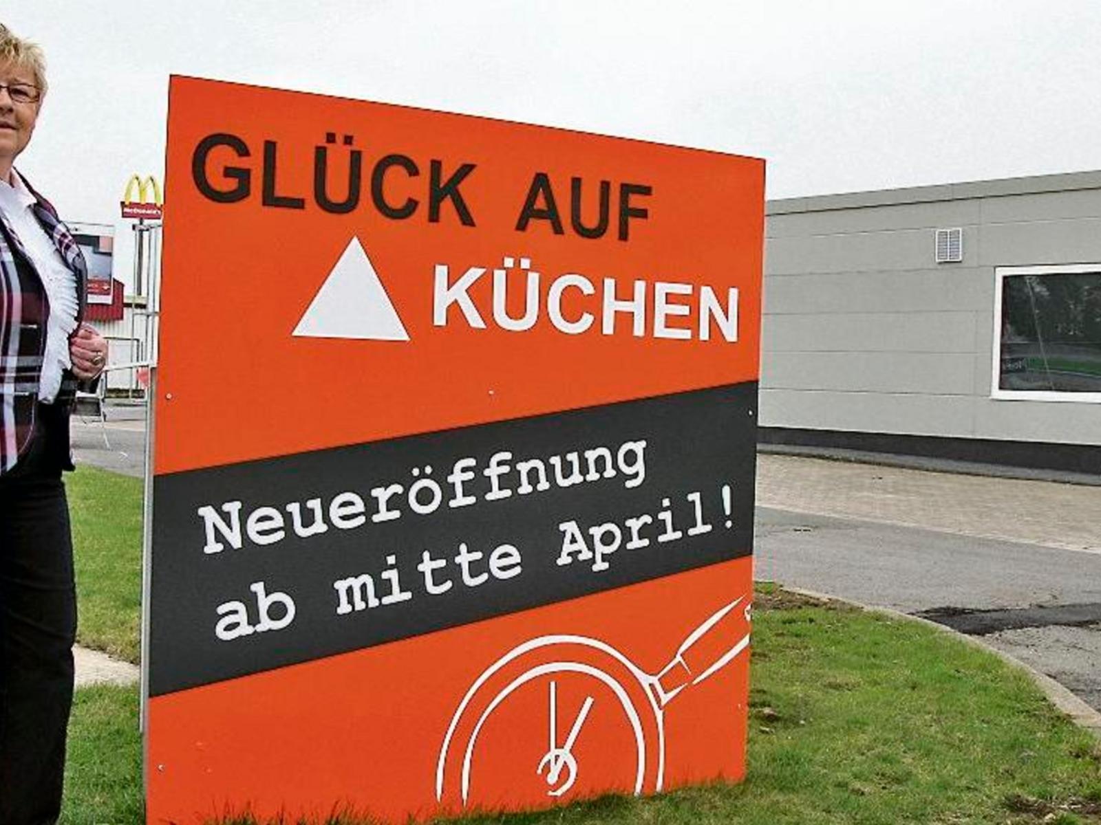 Full Size of Real Küchen Stederdorf Glck Auf Kchen Areal Erffnet Paz Onlinede Regal Wohnzimmer Real Küchen