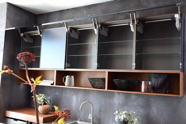 Medium Size of Abschlussregal Wei P Grohe Gmbh Werkzeuge Und Beschlge In Fettabscheider Küche Schneidemaschine Schrankküche Led Beleuchtung Schnittschutzhandschuhe Wohnzimmer Aufsatzregal Küche