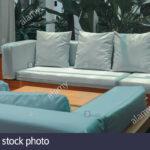 Couch Terrasse Wei Sofa Auf Der Im Garten Stockfoto Wohnzimmer Couch Terrasse