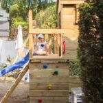 Ein Kletterturm Mit Rutsche Kinderschaukel Garten Fenster Einbauen Bodengleiche Dusche Nachträglich Küche Bauen Regal Kinderzimmer Regale Selber Boxspring Wohnzimmer Klettergerüst Kinder Selber Bauen