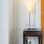 Stehlampe Wohnzimmer Im Lizenzfreie Fotos Xxl Esstische Landhausstil Teppich Fototapeten Gardinen Sofa Kleines Teppiche Board Wandtattoos Kamin Bett 180x200 Wohnzimmer Moderne Stehlampe Wohnzimmer